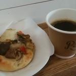 パーチ バイ ウッドベリー コーヒー ロースターズ - パンと本日のコーヒー