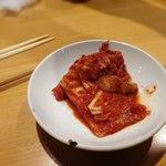 焼肉ホルモン金龍 - 白菜キムチ