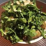 マリスコ - 牡蠣とパクチーのマリスコサラダ。