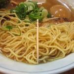 むらさき山 - 麺の細さ