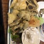 きのこ - ×キノコの天ぷら 780円