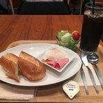 有楽町カフェ&ダイニング バイ ロイヤル -