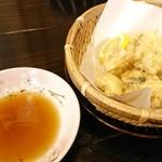 富士食堂 - 料理写真:ハモの天ぷら ¥580