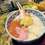 84784122 - 海鮮丼。塩水ウニ、ホタテ、かに、いくら、かにミソ。