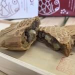 たいやき わらしべ - 料理写真:岡崎店限定のチーズあんたい焼きです