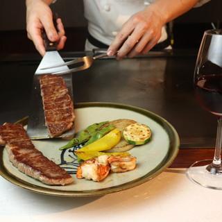 厳選食材に光る職人技。熟練シェフの絶品鉄板料理をご堪能あれ◎