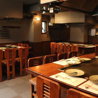 落ち着きの空間で楽しむ鉄板料理。特別な時間をゆったり堪能◎