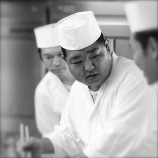 もてなしの心を御料理で。若くして料理長に就任した非凡な料理人