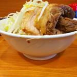 ラーメン二郎 - サイドビュー(°∀°)