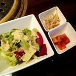 梨の家 - サラダ、キムチ、もやしナムル