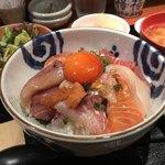84798959 - 海鮮丼   アップ!