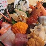 84799221 - 特選 海鮮丼 アップ