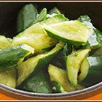 ぢどり亭 - 料理写真:名物きゅうり漬け。 ピリ辛の味が一度食べたらやみつきに。