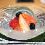 豪龍久保 - 苺(やよいひめ) 丹波黒豆 シャルドネジュレ