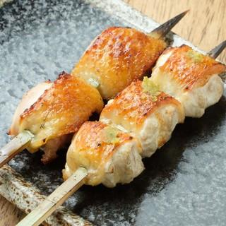 備長炭で焼き上げるこだわりの焼鳥◎比内地鶏の味をご堪能あれ!