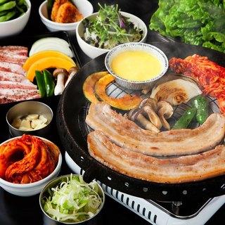 食べ放題&飲み放題コースは4900円~!