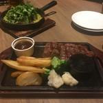 SHINJYUKU RAMBUTAN - *厚切り牛肩ロースステーキ (税込) 1,800円