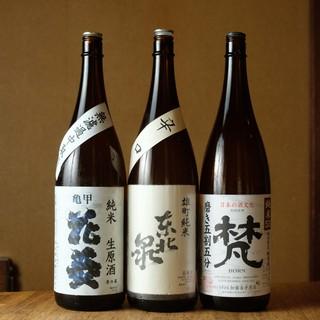 焼酎、日本酒こだわりのラインナップ。絶品焼鳥と共に楽しんで…
