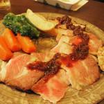 小箱浦本 - 糸島豚のローストポーク。