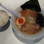 横濱家系のじ家 - 東京豚骨醤油700円