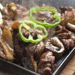 熟成鶏の黒焼き2種食べ比べ~オリジナルスパイス~