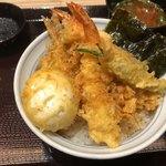 天丼・らぁ麺 ハゲ天 - 天丼 980円。