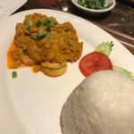 タイレストラン タニサラ - クンパッポンカリー(ふわふわ玉子のエビカレー)