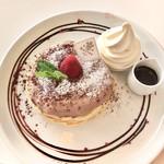 84812346 - とろ〜り生チョコソースのミルフィーユパンケーキ 1380円(税抜き)