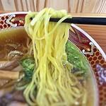 84815906 - 中華そば・シャンコメン 麺アップ