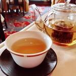 梨杏 - メイクイ茶 バラ科のハマナスの紅茶 飲みやすく、お料理に合います