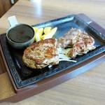 ステーキガスト - 熟成赤身ステーキ食べ比べ ログ&サーロイン(スモール) ¥1,943