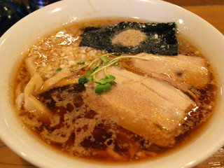 らーめん雅ノ屋 - 醤油らーめん(太麺) 650円