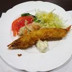 84820103 - 夕食:ハーフビュッフェ(海老フライ、サラダ、他)