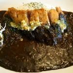 カレー屋SUN - 瀬戸内六穀豚のカツカレー♪塩レモンバター風味+黒ごまペースト