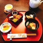 料亭 一力 - 料理写真:姫重しっぽく:下の段
