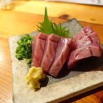 薊 - 料理写真:かつを刺し