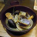 ムサシノバル - 3種の貝のガーリックバター