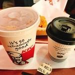 ケンタッキーフライドチキン - 骨なしケンタッキー(芳醇チーズ衣)・コーヒー・アイスティー