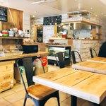 Bakery&Cafe BakeAwake - 店内