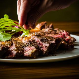 お肉好き必見!日本では珍しい肉も取り揃えております