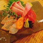 瀬戸内鮮魚と串焼き UZU -