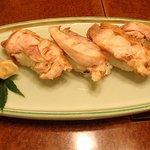 比内や 秋田店 - 比内地鶏炙りにぎり 岩塩があいます