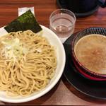 麺屋 もず - 料理写真:とん骨魚介つけ麺400g