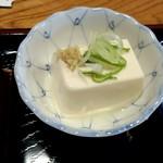 蒲田温泉 - 釜飯に付け合せの冷奴