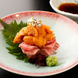 「赤坂竹林草」で料理長をつとめた「和の匠」がおりなす肉割烹