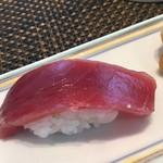江戸前 びっくり寿司 - 本マグロ