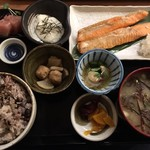 84845950 - サケのハラス焼き定食