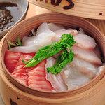 mus - 料理写真:musでは魚の刺身まで蒸します!『蒸し刺身』