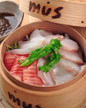 mus - musでは魚の刺身まで蒸します!『蒸し刺身』