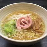 らーめん 匠八 - 料理写真:能登牛骨ラーメン780円